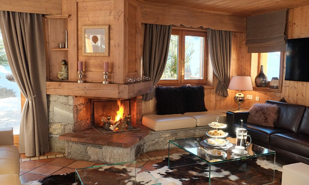 Chalet Marielaine Roaring Fire and Afternoon Tea