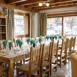 Chalet Astemy Dining Room