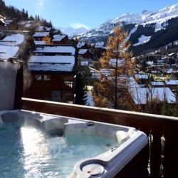 Chalet Chez menor Meribel hot tub view