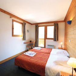 Chalet Etoile Twin Bedroom