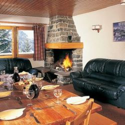 Chalet Fleur des Alpes living dining area