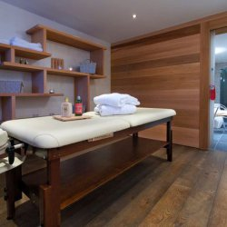 Hotel Adray Treatment Room