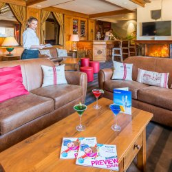 Chalet Hotel Alba Bar with Fire