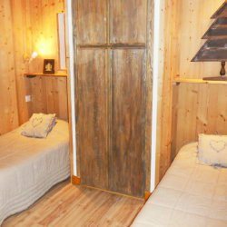 Chalet La Fuge Twin Bedroom