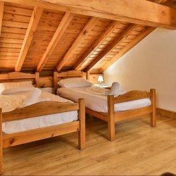 Chalet Leopold Twin Bedroom