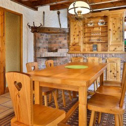 Chalet Leopold Dining Table