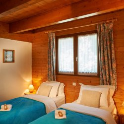 Twin Room in Chalet Sandy