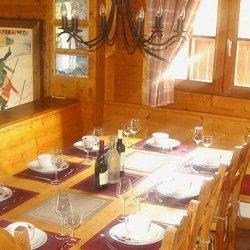 Chalet La Tarine Dining Table