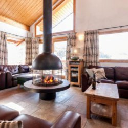 Chalet Virage large living room and real fire