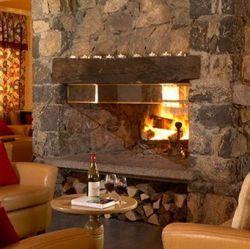 Chalet Hotel Tarentaise Roaring Fire