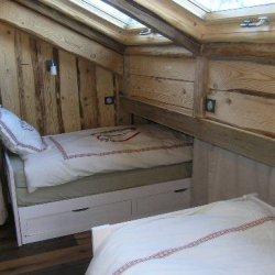 Twin bedroom in apartment Arolaz 5 Meribel