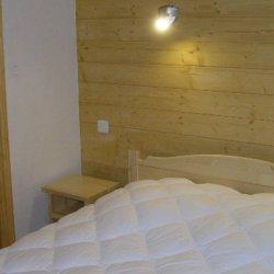 Double bedroom with bathroom in apartment Aubepine