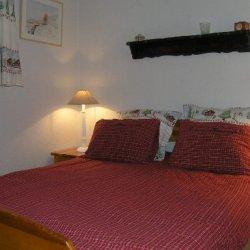 Double bedroom in apartment Cristal Meribel
