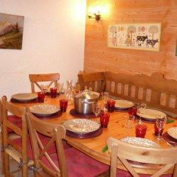 Dining area in apartment Petaru Meribel