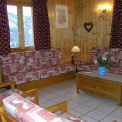 The spacious living area in Chalet Vent de Galerne in Meribel