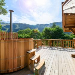 Chalet Bambis Outdoor Hot tub