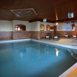 Chalet Ibex Swimming Pool