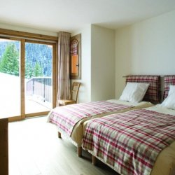 Chalet Marmottes Twin Bedroom