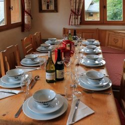 Chalet L'Oxalys Dining Table