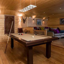 Chalet Les Bartavelles Pool Table