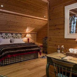 Chalet Les Bartavelles double bedroom