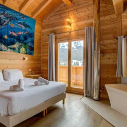 Chalet Aline Double Bedroom with Bath