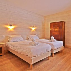 Chalet Aline Twin Bedroom