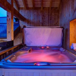 Chalet Laetitia Hot Tub