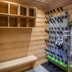 Chalet Le Pousse Caillou Ski and Boot Room