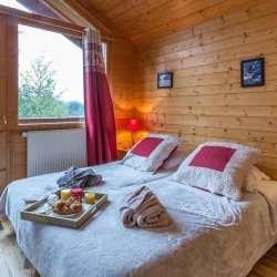 Chalet White Moustache Double Bedroom with breakfast
